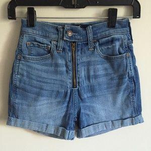 "HOLLISTER Ultra High-Rise Shorts 3"""